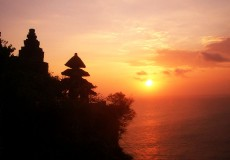 Uluwatu-Temple-sunset-bali-tour