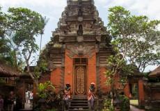 ubud-palace-tour-bali